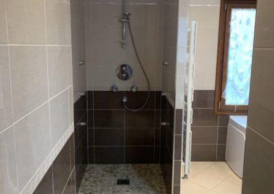 Réalisation d'une salle de bains complète - Douche à l'italienne avec Robinet de douche thermostatique,   Villeneuve saint germain 02200