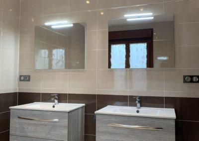 Réalisation d'une salle de bains complète avec baignoire de balnéothérapie et douche avec système d'hydromassage dans les lots plomberie, sanitaire, chauffage, carrelage, Faïence, électricité, ventilation à Villeneuve saint germain 02200