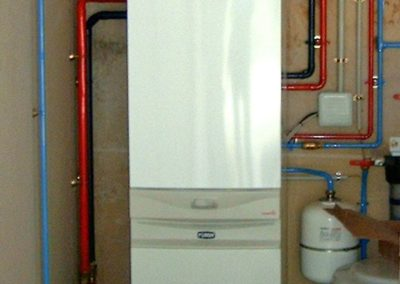 chaudière gaz à condensation à production d'eau chaude sanitaire par accumulation - Pommier 02200