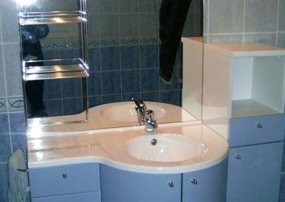 Réalisation d'une salle de bains complète - Meubles vasque avec miroir et rangements à Noyant et Aconin 02200