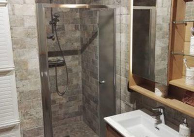 Réalisation d'une salle de bains complète dans les lots plomberie, sanitaire, carrelage, Faïence, électricité à Villeneuve saint germain 02200